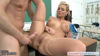 Busty babe Phoenix Marie gets ass fucked in classr
