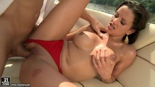 Guy moves aside panties Valentina Cruz before sex