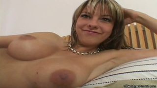 Big boobed milf Mellie is doing some masturbation