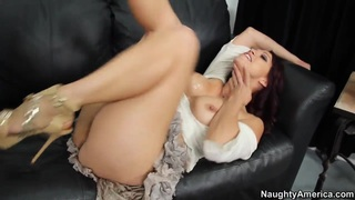 Dane Cross fucks with mature Nicki Hunter