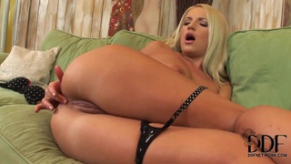 Horny and gorgeous Britney Spring gets carried away