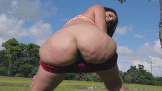 Valentina Jewels shows off her big ass outdoors