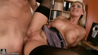 Lustful blonde MILF Tanya Tate gets boned missionary style