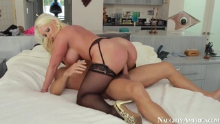 Milf Alura Jenson fucked hard by Johnny Castle