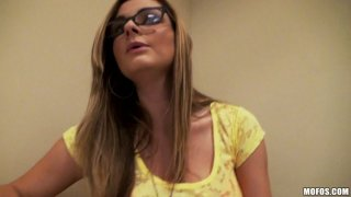 Blond nerd Keiyra Lina gives a stout blowjob in the room