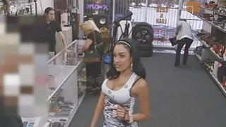 Sexy latina will do everything to have to have some cash