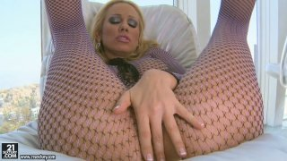 Fabulous blonde milf Sandy gives the hottest seduction show